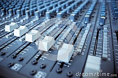 audio-mixing-board-sliders-3492156.jpg