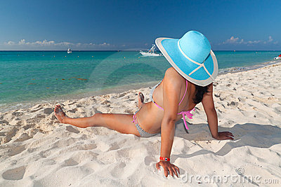 Auf dem karibischen Strand