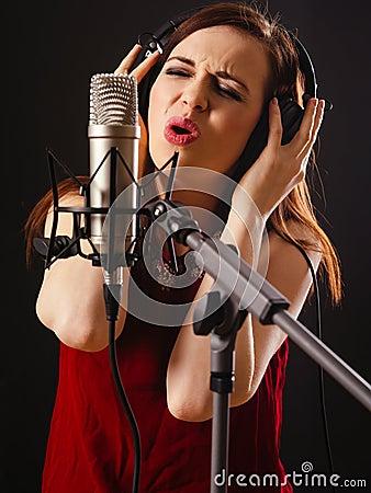 Aufnahme-Gesang im Studio