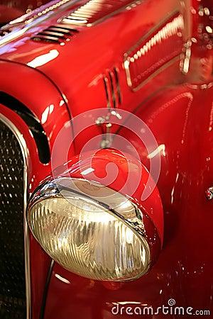 Aus alter Zeit rotes Auto