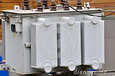 Ausrüstung des elektrischen Umformers