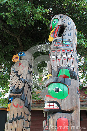 Free Authentic BC Totem Poles Royalty Free Stock Photo - 43659525
