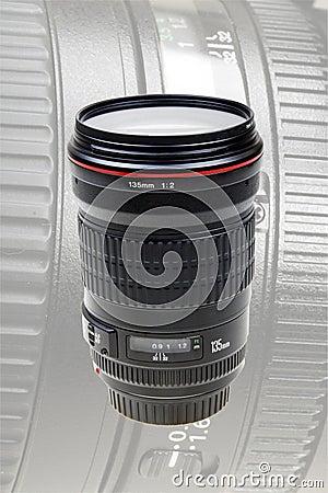 Auto-focus lens