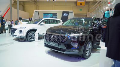 Auto Hyundais Santa Fe gezeigt in GIIAS 2018 stock video