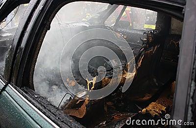 Auto incêndio.
