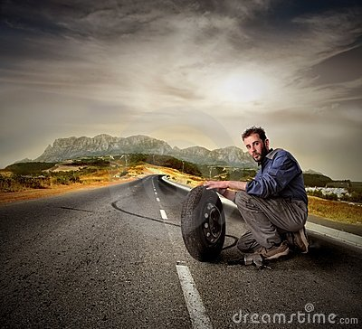 Free Auto Mechanic Royalty Free Stock Images - 8562749