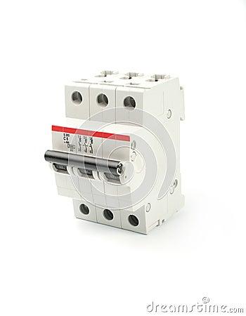 Automatic circuit breaker