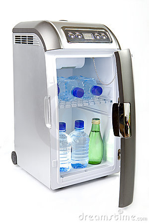 Automobile refrigerator