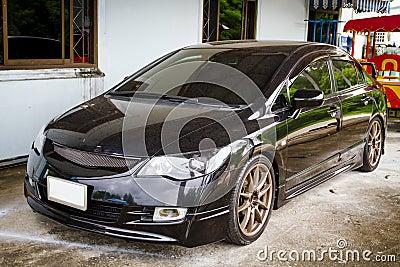 Automobile sportiva nera