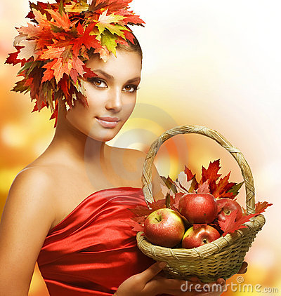 Free Autumn Girl Royalty Free Stock Photo - 21191335