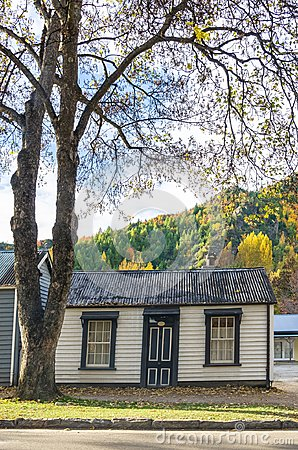 Free Autumn Landscape Of Historic Town In Arrowtown, New Zealand Royalty Free Stock Photo - 119928555