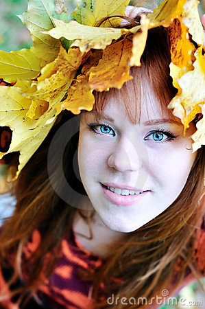Autumn redheaded gril