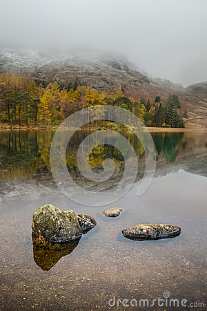 Free Autumn Reflections Stock Images - 28398894