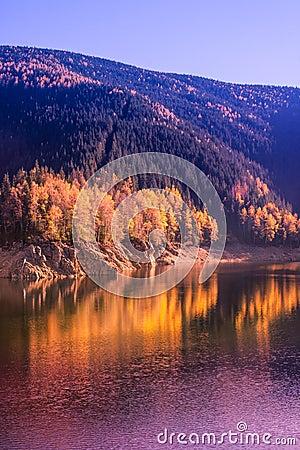 Autumn scenery on the lake