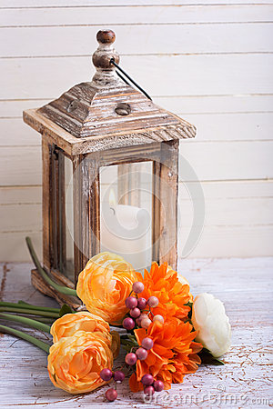 Free Autumn Still Life Photo With Flowers  In Yellow Colors And Candl Royalty Free Stock Image - 60358766