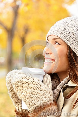Autumn woman drinking coffee