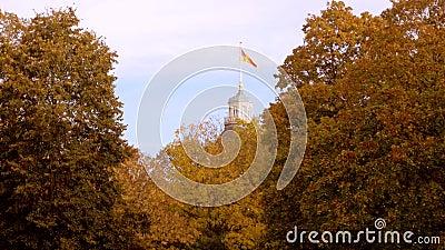 Autunno E Bandiera di Karlsruhe germany archivi video