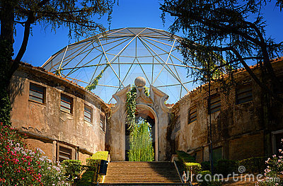 Aviary in Zoo in Rome