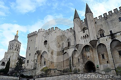 Avignon famous pope palace