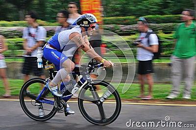 Ironman Singapore Pictures on Photography  Aviva Singapore Ironman Triathlon 2011  Image  18892677