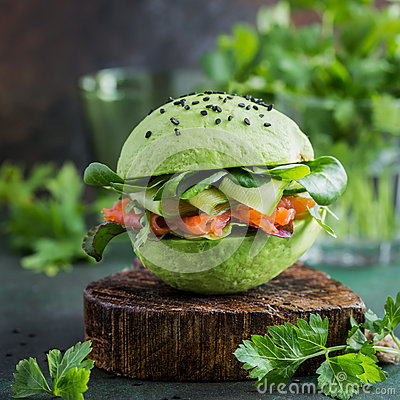 Free Avocado Burger With Salted Salmon And Fresh Vegetables Royalty Free Stock Images - 92175319
