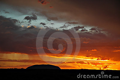 Ayers rock silhouette
