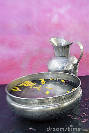 Free Ayurvedic Basin Royalty Free Stock Photography - 2736517