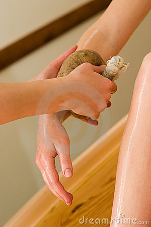 Ayurvedic oil body massage