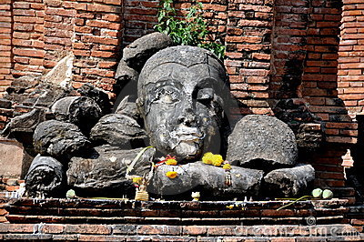Ayutthaya, Thailand: Wat Worachet Thep Banrung