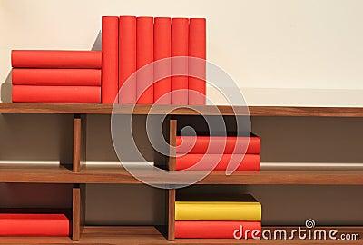 Bücher auf Regal