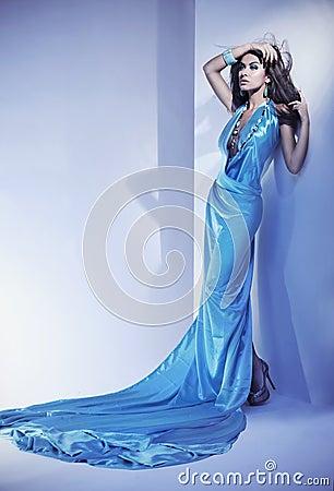Błękit suknia