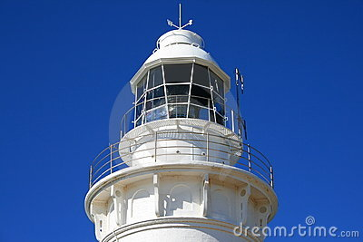Błękitny latarni morskiej nieba odgórny biel