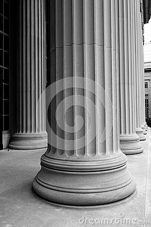 B&W classic columns