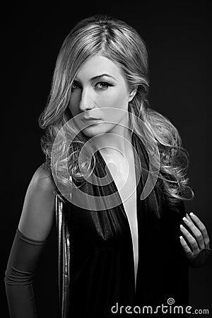 B&W Glamour portrait of blond woman
