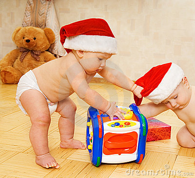 Free Babies In Christmas Hats Royalty Free Stock Images - 3666489