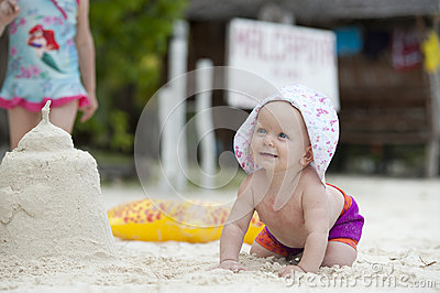 Baby beach fun crawl