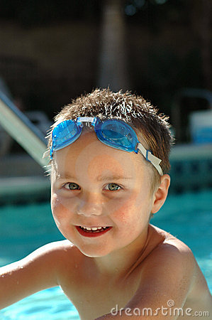 Free Baby Boy In The Swimming Pool Royalty Free Stock Images - 2608839