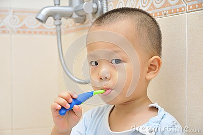 Baby brush teeth