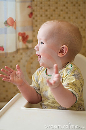 Baby is clapping hands