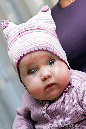 Free Baby Girl In Violet Stock Images - 15929004