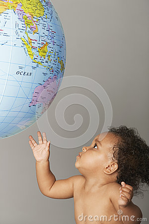 Free Baby Girl Playing With Inflatable Globe Royalty Free Stock Image - 31837806