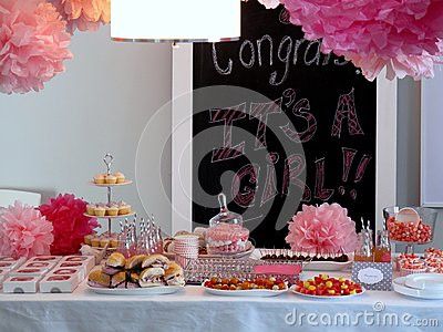Baby girl shower table