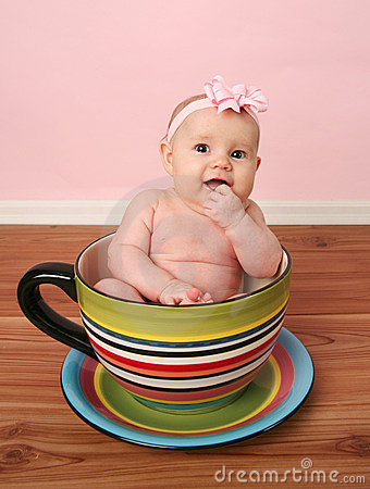 Free Baby In A Tea Cup Royalty Free Stock Images - 18612539