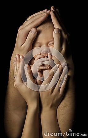 Free Baby In Family Hands Hold New Born Kid, Sleep Newborn Stock Photos - 66680303