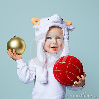 Free Baby In Sheep Hat New Year 2015 Royalty Free Stock Photography - 47146767