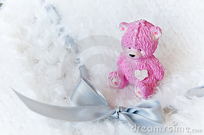 Baby knitted blanket with pink bear