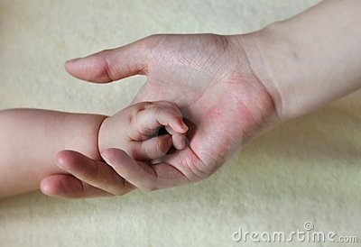 Baby and mother hands 2167