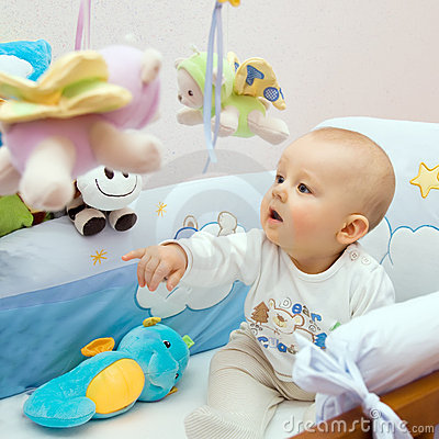 Free Baby Playing Royalty Free Stock Photos - 9495788