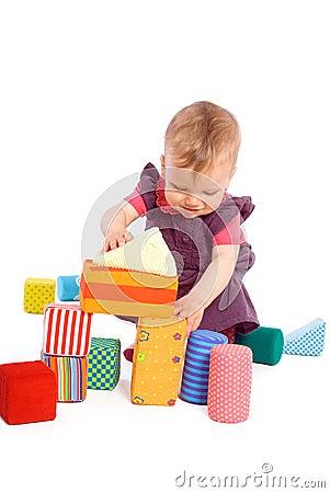 وصايا طفل لامه baby-playing-with-to