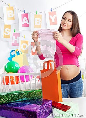 Baby shower holding body